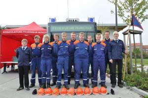 Eine Leistungsnachweisgruppe der Jugendfeuerwehr Ibbenbüren in Münster
