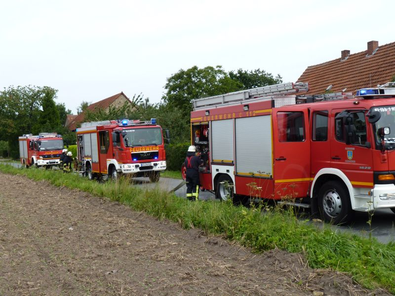 Brand klein, brennt Hecke – Feuerwehr Ibbenbüren